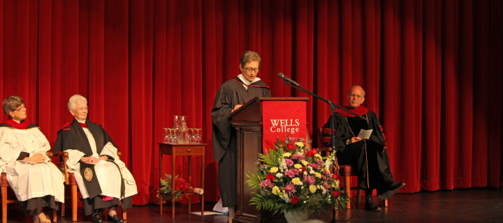 patricia danz stirnemann giving acceptance speech in phipps auditorium