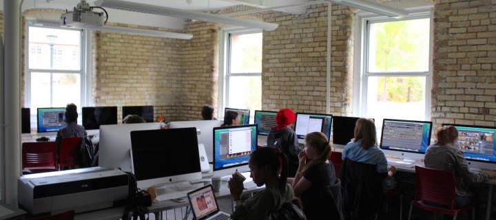graphic design course in the mac computer laboratory