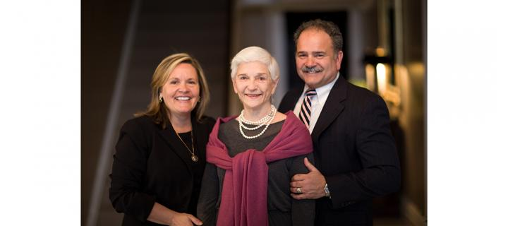 Sissy Farenthold (center) with son George Farenthold II (right) and daughter-in-law Lisa Marsh Ryerson '81
