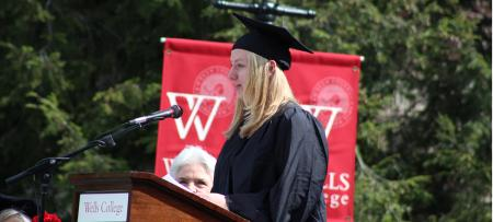 lindsey bush at commencement