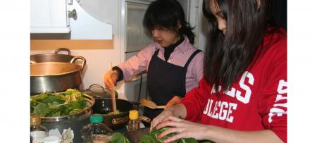 Student preparing food for Washoku Shock dinner